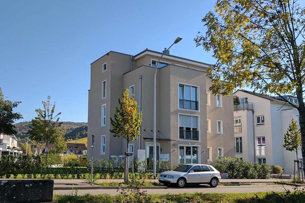 mehrfamilienhaus freiburg st georgen yan architekturb ro. Black Bedroom Furniture Sets. Home Design Ideas